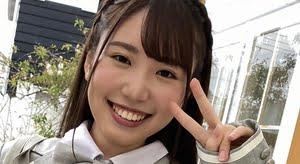 大沢麗菜 グレイのブレザーなJK制服コスプレ画像