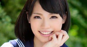鈴村あいり 白ハイソックスなセーラー服画像