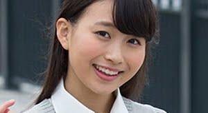中野あいみ 紺色ハイソックスのプリスカ制服画像