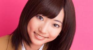 武田玲奈 ブレザーとプリスカの制服画像