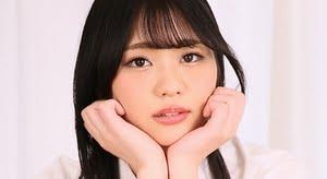 伊藤おとは 紺色ハイソックスなプリスカ制服画像