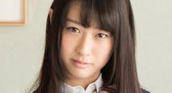 本澤朋美 白ハイソックスなプリスカ制服画像