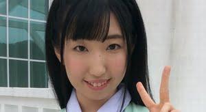 片山茉希 グリーンなベストのプリスカ制服画像