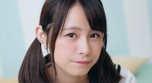 桜木美涼 おさげ頭と白ソックスのセーラー服画像