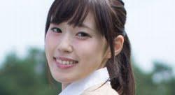 佐倉綾乃 カーディガンと紺色ソックスなプリスカ制服画像