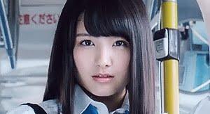 大和田南那 黒ハイソックスなプリスカ制服画像