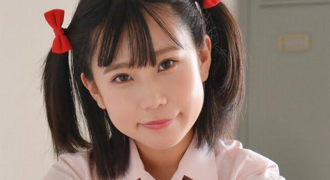 沖田あの 白ソックスなチェック柄プリスカ制服画像