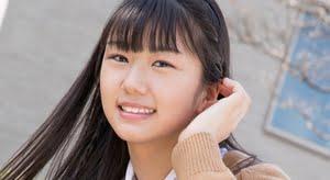 堀北美桜 紺色ハイソックスなプリスカ制服画像