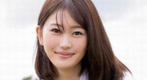 笹岡郁未 白ソックスな紺色ジャンスカ制服画像