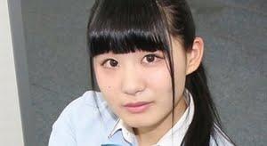 鈴木ことね 紺色ハイソックスなプリスカ制服画像