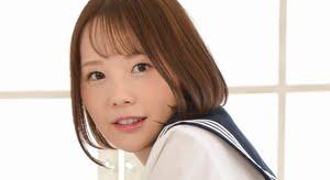 佐野水柚 白ハイソックスなセーラー服画像
