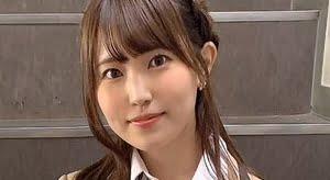 坂東遥 紺色ソックスなブレザー制服画像